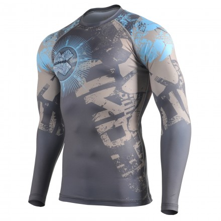 """THE OFFERING"" - Camiseta Técnica de Compresión Segunda Piel FIXGEAR."